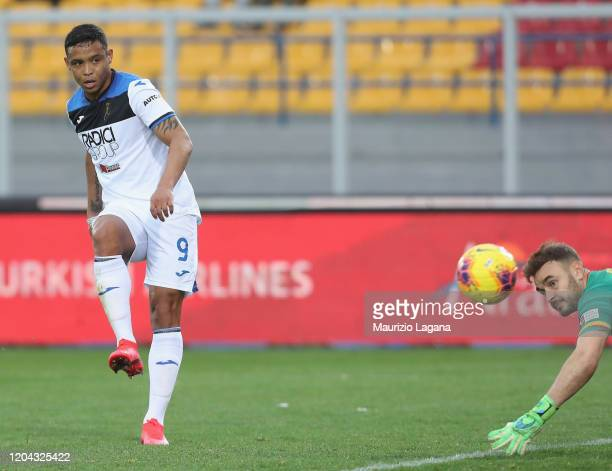 Luis Muriel of Atalanta scores his team's 6th goal during the Serie A match between US Lecce and Atalanta BC at Stadio Via del Mare on March 1 2020...