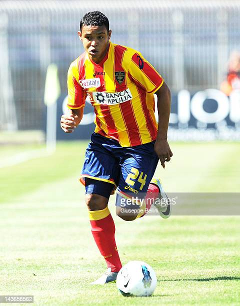 Luis Muriel of Lecce in action during the Serie A match between US Lecce and Parma FC at Stadio Via del Mare on April 29 2012 in Lecce Italy