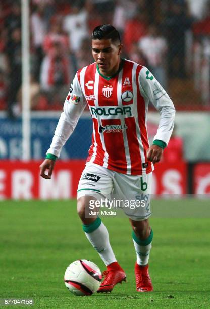 Luis Perez of Necaxa drives the ball during the 17nd round match between Necaxa and Morelia as part of the Torneo Apertura 2017 Liga MX at Victoria...