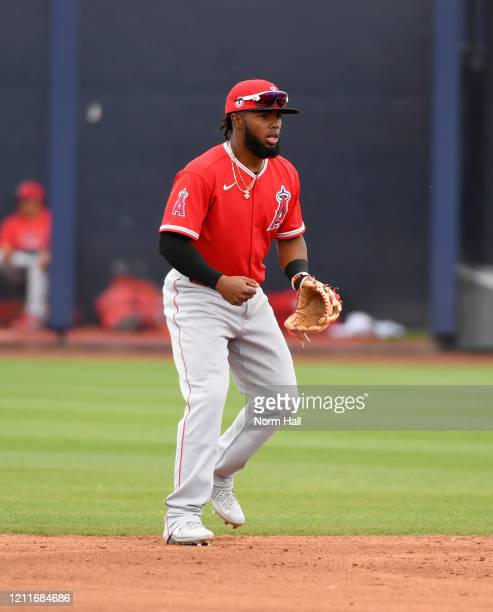 Luis Rengifo of the Los Angeles Angels gets ready to make a play at second base during a spring training game against the Seattle Mariners at Peoria...