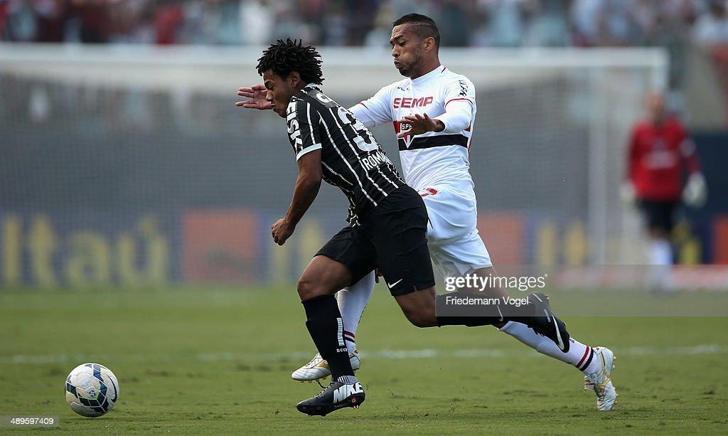 Sao Paulo v Corinthians - Brasileirao Series A 2014