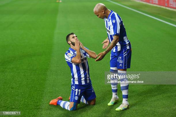 Luis Rioja of Deportivo Alaves celebrates after he scores his team's first goal during the La Liga Santander match between Deportivo Alavés and FC...