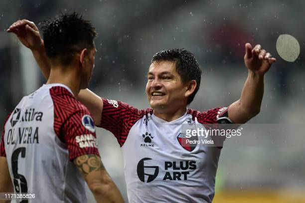 Luis Rodríguez of Colon celebrates classifying to the final during a penalty shootout after a match between Atletico MG and Colon as part of CONMEBOL...