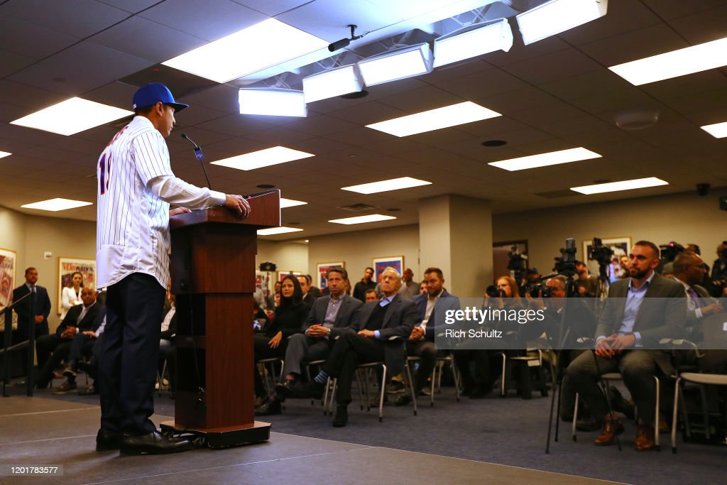 New York Mets Introduce Luis Rojas : News Photo