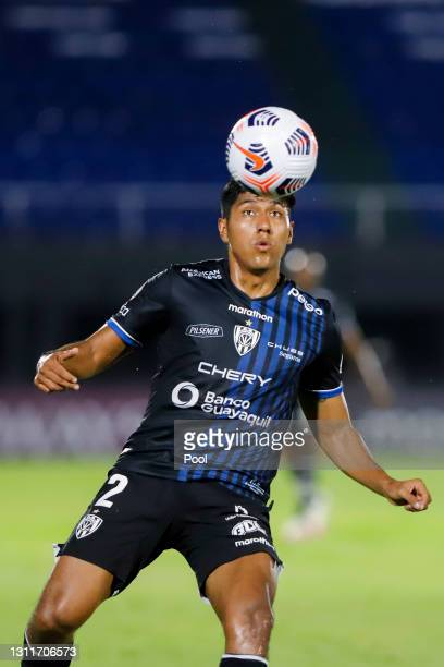 Luis Segovia goalkeeper of Independiente del Valle controls the ball during a third round first leg match between Independiente del Valle and Gremio...