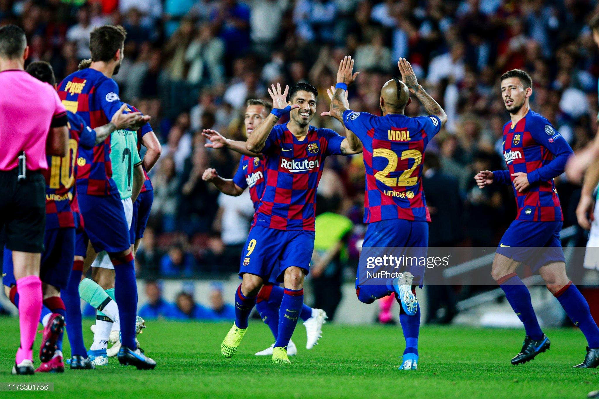 صور مباراة : برشلونة - إنتر 2-1 ( 02-10-2019 )  Luis-suarez-from-uruguay-of-fc-barcelona-celebrating-his-goal-with-22-picture-id1173301756?s=2048x2048