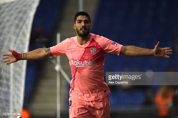 Luis Suarez of Barcelona celebrates after scoring his team's third goal during the La Liga match between RCD Espanyol and FC Barcelona at RCDE...