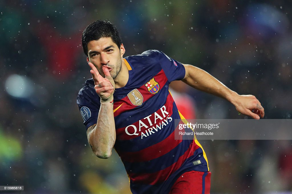 Luis Suarez of Barcelona celebrates scoring his team's second goal during the UEFA Champions League round of 16, second Leg match between FC Barcelona and Arsenal FC at Camp Nou on March 16, 2016 in Barcelona, Spain.