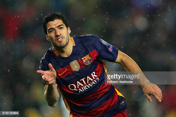 Luis Suarez of Barcelona celebrates scoring his team's second goal during the UEFA Champions League Round of 16 Second Leg match between FC Barcelona...