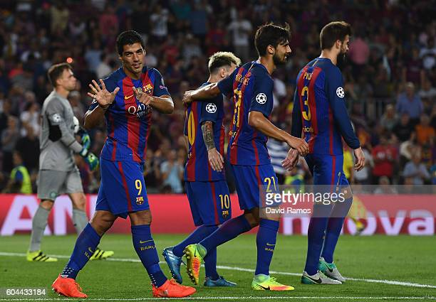 Luis Suarez of Barcelona celebretes scoring his sides sixth goal during the UEFA Champions League Group C match between FC Barcelona and Celtic FC at...