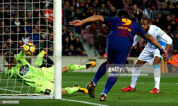 Luis Suarez of Barcelona in action during the La Liga match between Barcelona and Deportivo de La Coruna at Camp Nou on December 17 2017 in Barcelona...