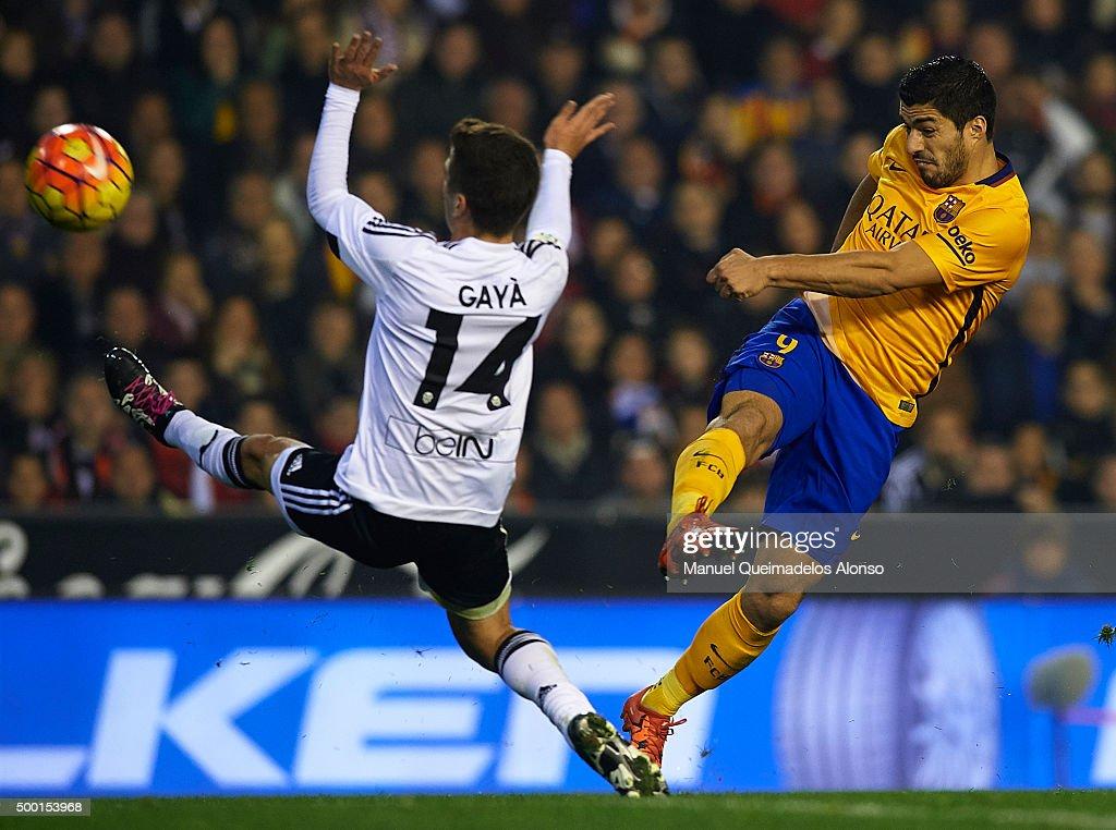 Valencia CF v FC Barcelona - La Liga : News Photo