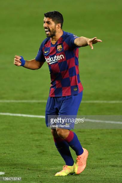 Luis Suarez of Barcelona reacts during the UEFA Champions League round of 16 second leg match between FC Barcelona and SSC Napoli at Camp Nou on...