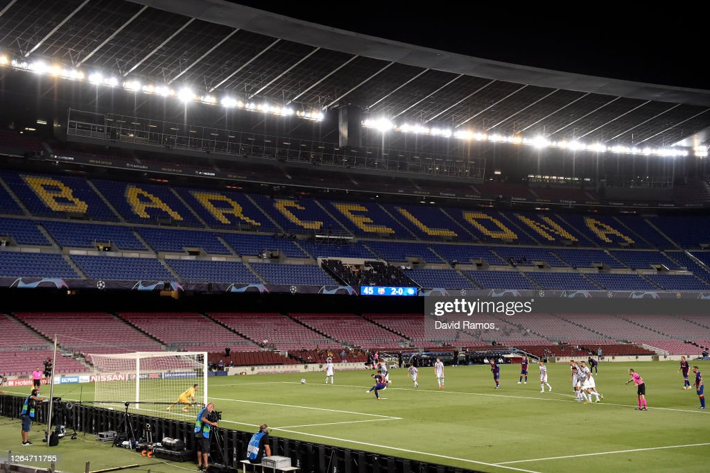 FC Barcelona v SSC Napoli - UEFA Champions League Round of 16: Second Leg : News Photo