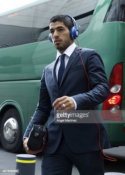 Luis Suarez of FC Barcelona arrives at the stadium before the La Liga match between Real Madrid CF and FC Barcelona at Estadio Santiago Bernabeu on...