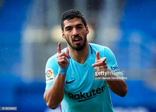Luis Suarez of FC Barcelona celebrates after scoring goal during the La Liga match between Eibar and Barcelona at Estadio Municipal de Ipurua on...