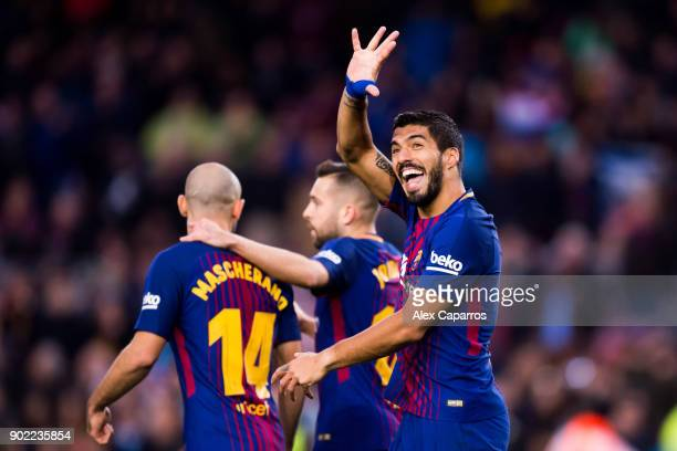 Luis Suarez of FC Barcelona celebrates after scoring his sides second goal during the La Liga match between Barcelona and Levante at Camp Nou on...