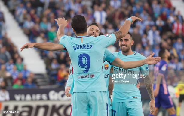 Luis Suarez of FC Barcelona celebrates after scoring his teamÕs 2nd goal during the La Liga match between Leganes and Barcelona at Estadio Municipal...