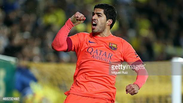 Luis Suarez of FC Barcelona celebrates scoring the second goal during the Copa del Rey semifinal second leg match between Villarreal CF and FC...