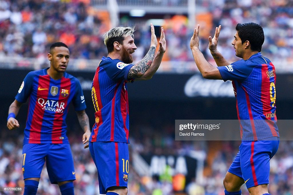Valencia CF v FC Barcelona - La Liga : News Photo