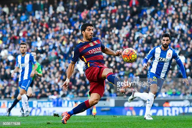 Luis Suarez of FC Barcelona controls the ball during the La Liga match between RCD Espanyol and FC Barcelona at CornellaEl Prat Stadium on January 2...