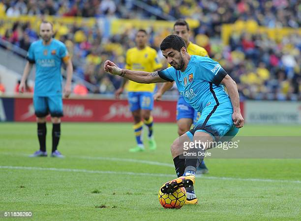 Luis Suarez of FC Barcelona in action during the La Liga match between UD Las Palmas and FC Barcelona at Estadio Gran Canaria on February 20 2016 in...
