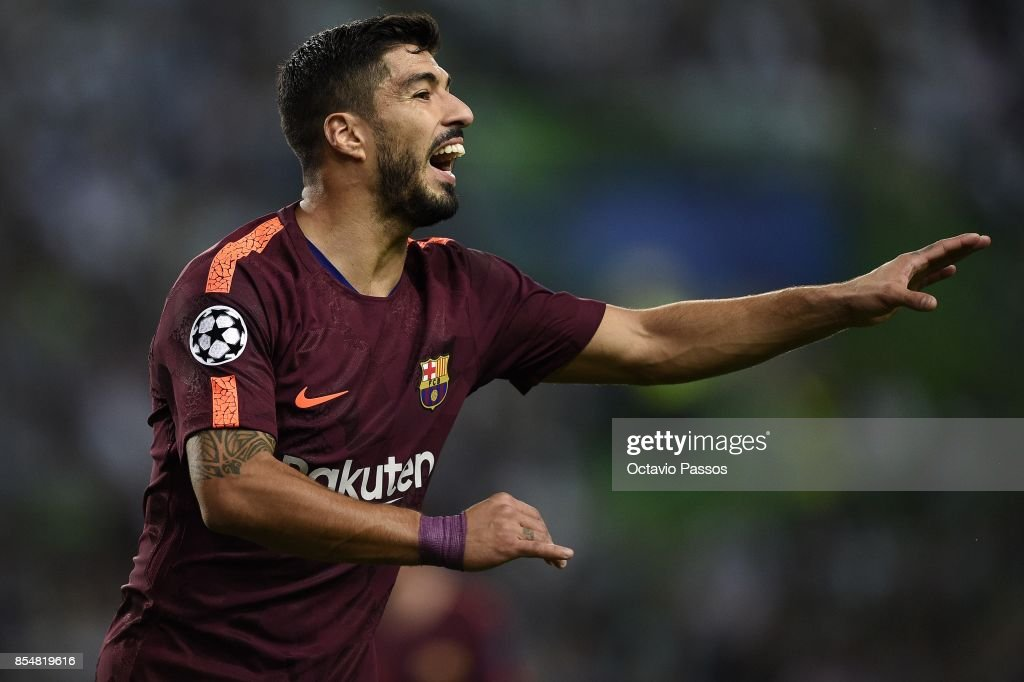 Luis Suarez of FC Barcelona in action during the UEFA Champions League group D match between Sporting CP and FC Barcelona at Estadio Jose Alvalade on September 27, 2017 in Lisbon, Portugal.