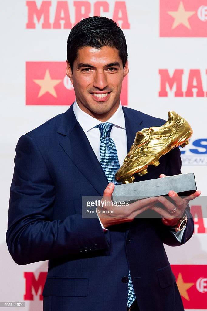 Luis Suarez of FC Barcelona poses with the Golden Boot Trophy as the best goal scorer in all European Leagues last season on October 20, 2016 in Barcelona, Spain. Luis Suarez scored 40 goals for FC Barcelona in last season's Spanish La Liga.