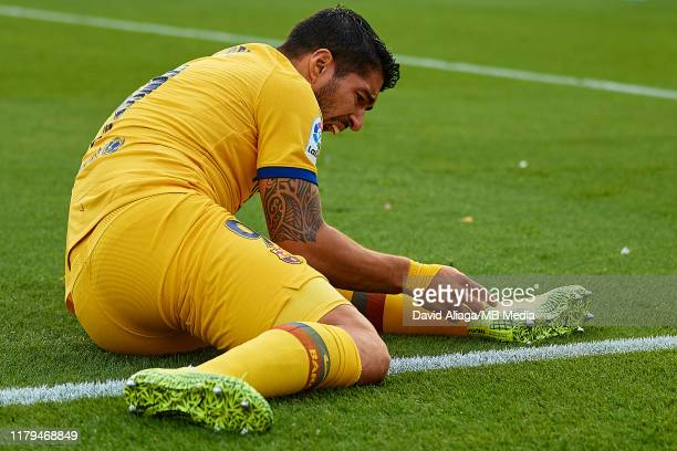 Luis Suarez of FC Barcelona reacts on the pitch during the Liga match between Levante UD and FC Barcelona at Ciutat de Valencia on November 2 2019 in...