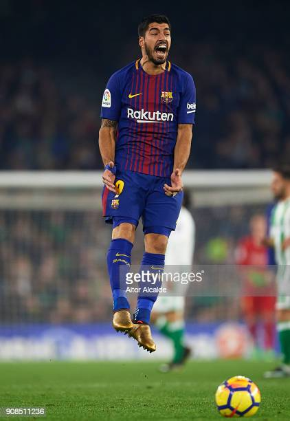 Luis Suarez of FC Barcelona reacts the La Liga match between Real Betis and Barcelona at Estadio Benito Villamarin on January 21 2018 in Seville