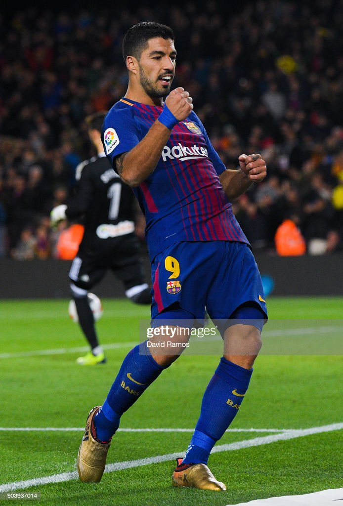 Luis Suarez of FC Barcelona scores his team's fourth goal during the Copa del Rey round of 16 second leg match between FC Barcelona and Celta de Vigo at Camp Nou on January 11, 2018 in Barcelona, Spain.