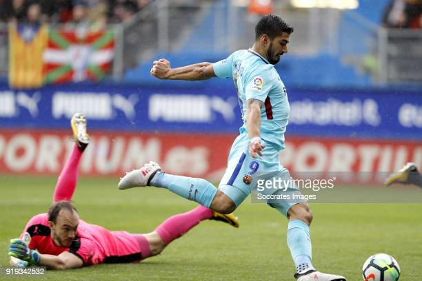 Luis Suarez of FC Barcelona scores the first goal to make it 01 during the La Liga Santander match between Eibar v FC Barcelona at the Estadio...