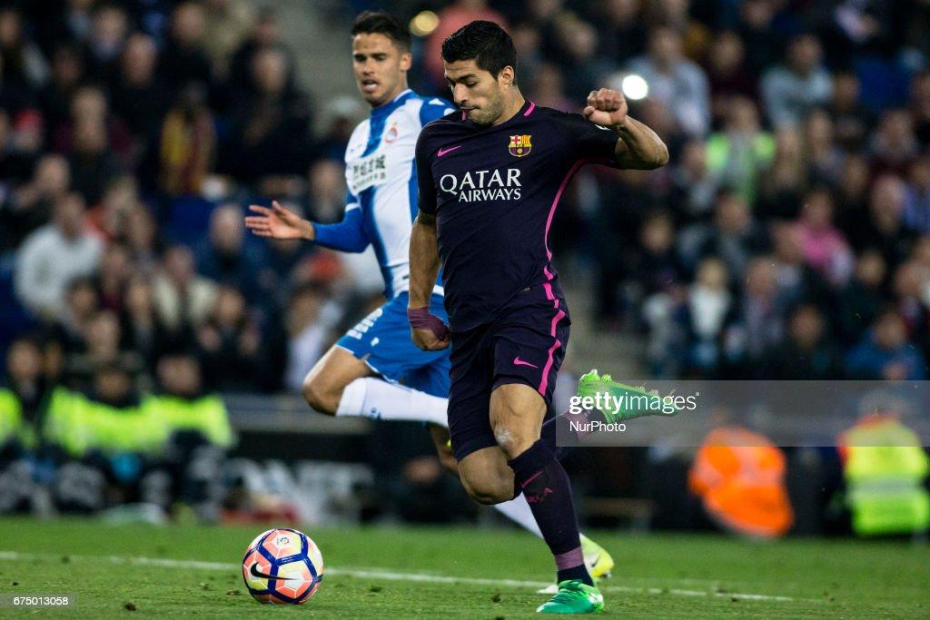 RCD Espanyol v FC Barcelona - La Liga : ニュース写真