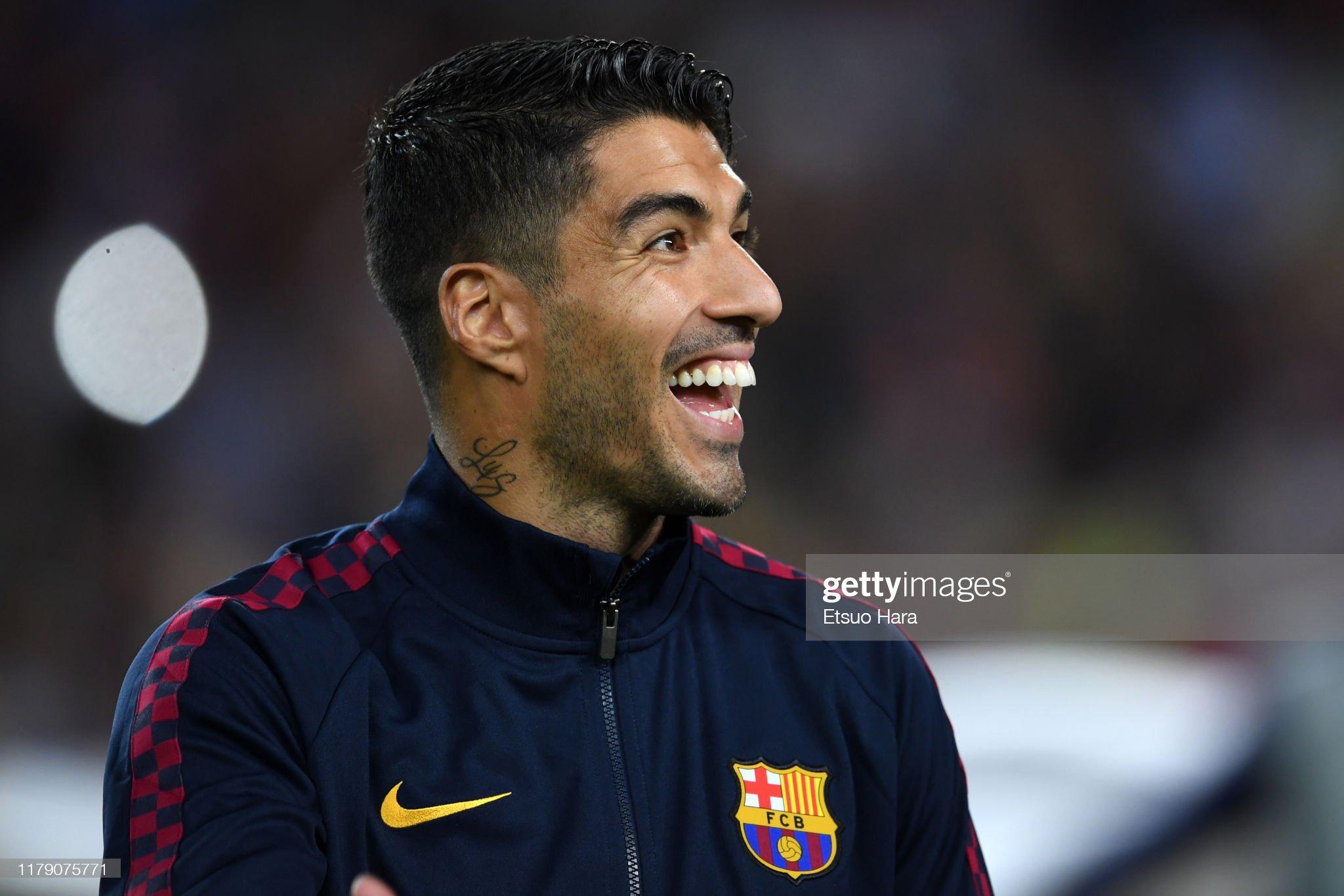صور مباراة : برشلونة - إنتر 2-1 ( 02-10-2019 )  Luis-suarez-of-fc-barcelona-smiles-prior-to-the-uefa-champions-league-picture-id1179075771?s=2048x2048