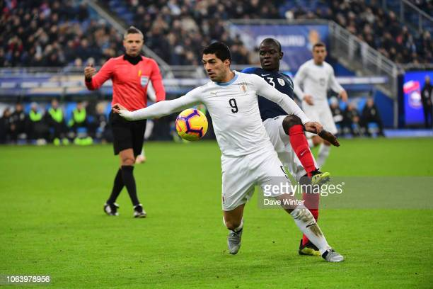 Luis Suarez of Uruguay and Ngolo Kante of France during the International Friendly match between France and Uruguay at Stade de France on November 20...