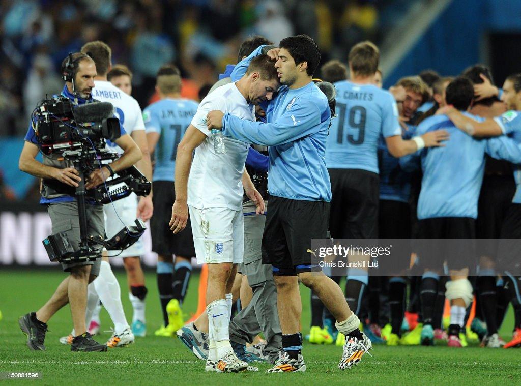 Uruguay v England: Group B - 2014 FIFA World Cup Brazil : ニュース写真