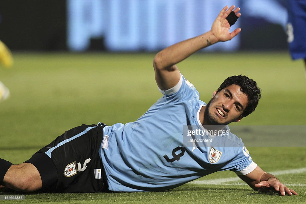 Chile v Uruguay - South American Qualifiers : News Photo