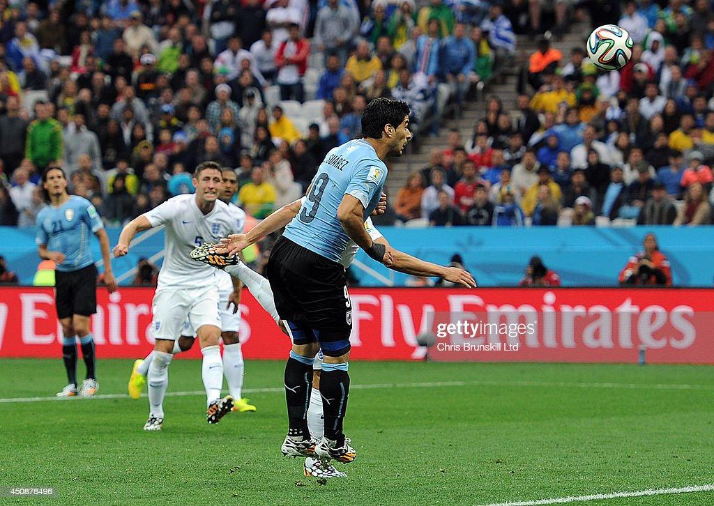 Uruguay v England: Group B - 2014 FIFA World Cup Brazil : News Photo