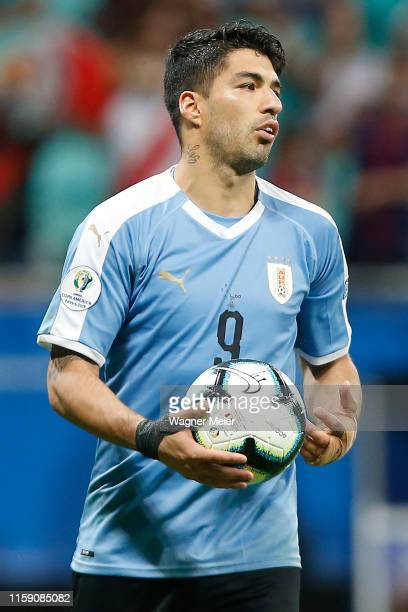 Luis Suarez of Uruguay reacts during a penalty shootout after the Copa America Brazil 2019 quarterfinal match between Uruguay and Peru at Arena Fonte...