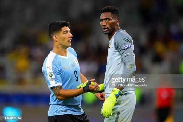 Luis Suarez of Uruguay shakes hands with Maximo Banguera of Ecuador during the Copa America Brazil 2019 group C match between Uruguay and Ecuador at...