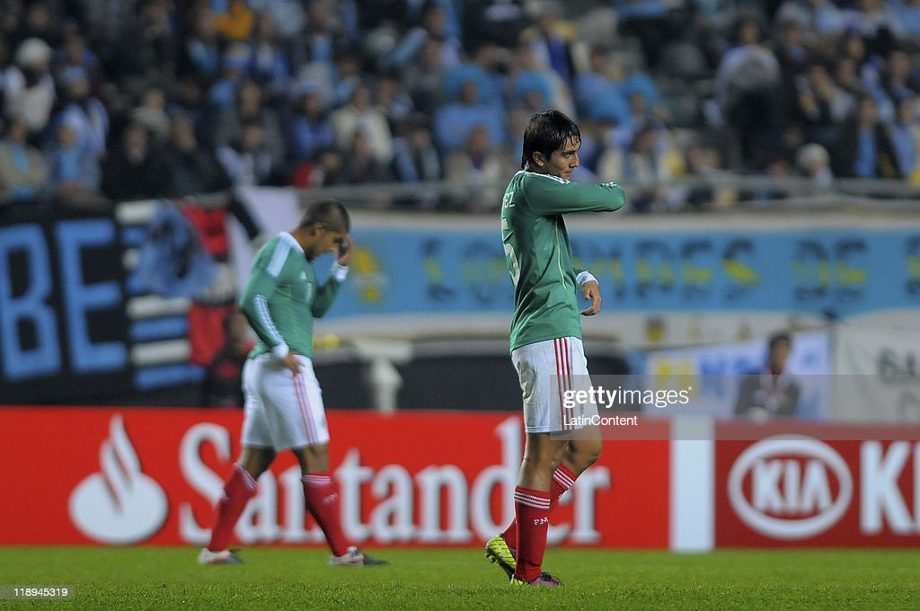 Uruguay v Mexico - Group C Copa America 2011 : News Photo