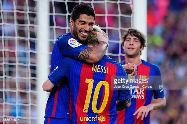 Luis Suárez celebrates scoring with Lionel Messi during the Joan Gamper Trophy match between FCBarcelona vs Unione Calcio Sampdoria at Nou Camp on...