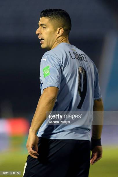 Luis Suárez of Uruguay reacts during a match between Uruguay and Paraguay as part of South American Qualifiers for Qatar 2022 at Centenario Stadium...