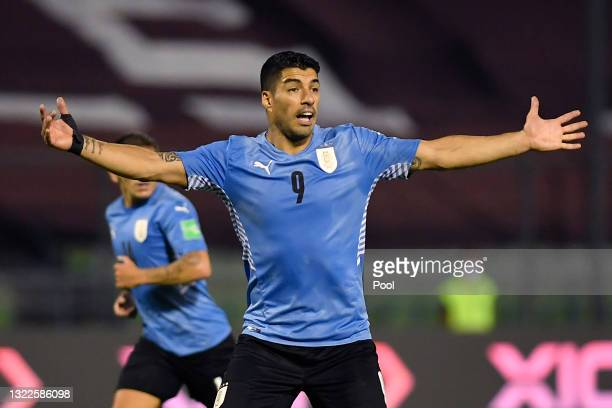 Luis Suárez of Uruguay reacts during a match between Venezuela and Uruguay as part of South American Qualifiers for Qatar 2022 at Estadio Olímpico on...