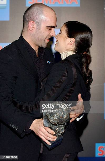Luis Tosar and Laia Marull hold their awards for Best Actor and Best Actress for the film 'Te Doy Mis Ojos'
