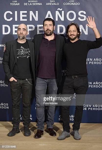 Luis Tosar Daniel Calparsoro and Rodrigo de la Serna attend a photocall for 'Cien Anos de Perdon' at Urso Hotel on February 25 2016 in Madrid Spain