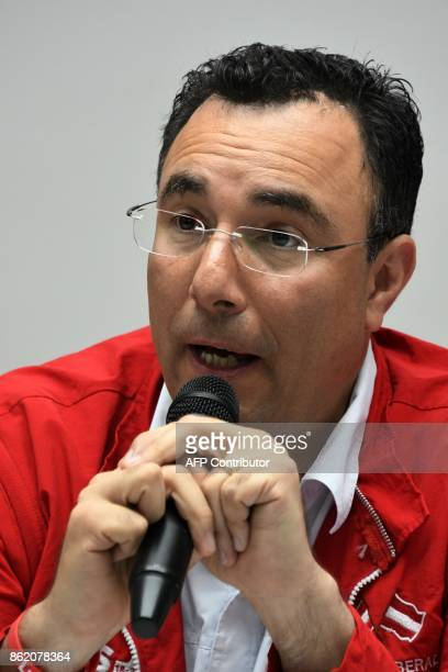 Luis Zelaya presidential candidate in Honduras for the opposition Liberal Party speaks with journalists in Tegucigalpa on October 16 2017 / AFP PHOTO...
