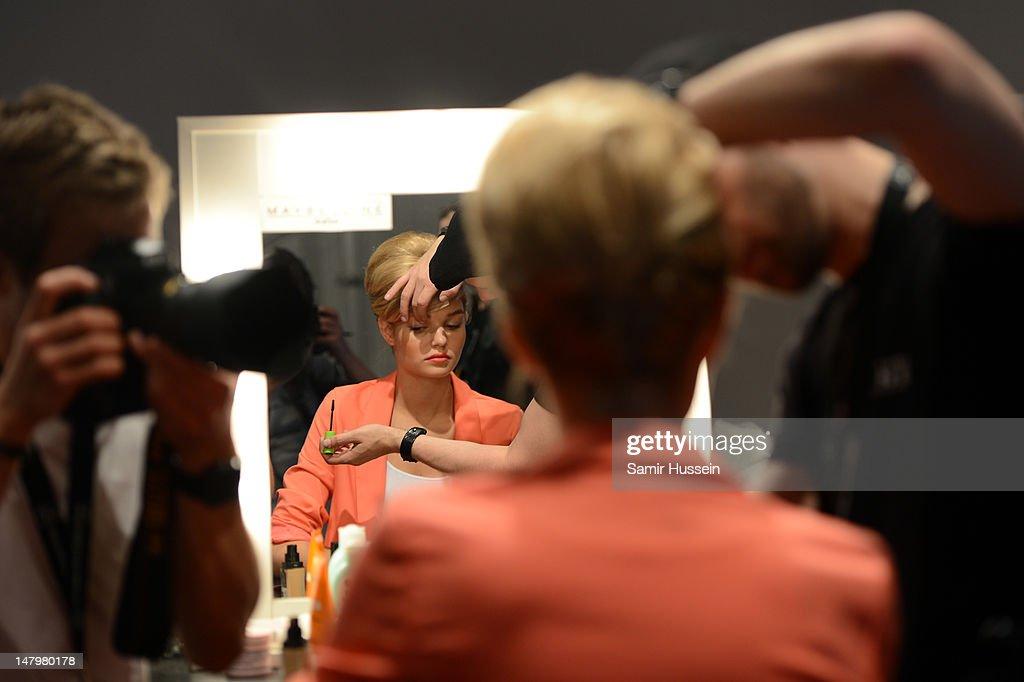 Minx By Eva Lux: Backstage - Mercedes-Benz Fashion Week Spring/Summer 2013 : Nachrichtenfoto