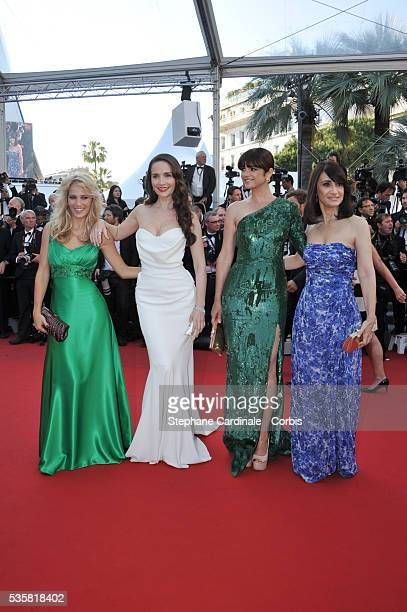 Luisana Lopilato Natalia Oreiro Araceli Gonzalez and guest at the premiere for Killing them softly during the 65th Cannes International Film Festival