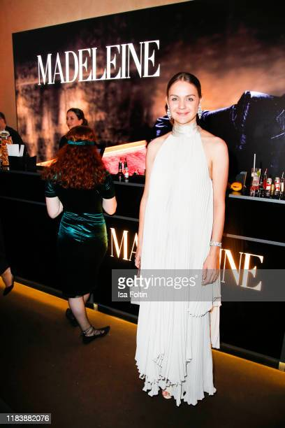 Luise Heyer poses at the 71st Bambi Awards party on November 21 2019 in BadenBaden Germany